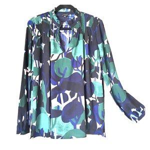 Ann Taylor cypress botanical smocked blouse size:M